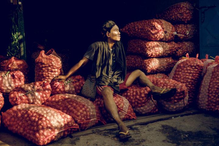 """""""Onion Boy' - River flower market, Mandalay, 2017. XF 35mm F2!"""