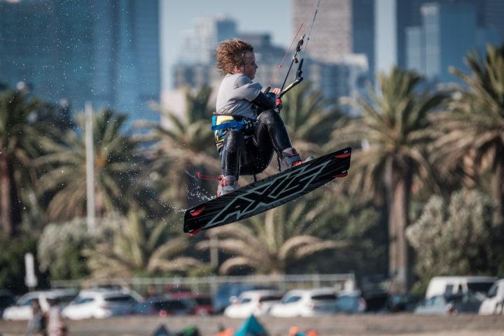 Kitesurfer in St Kilda - Fujifilm X-E3 - XF100-400mm - 1/1600s - f5.6 - ISO400